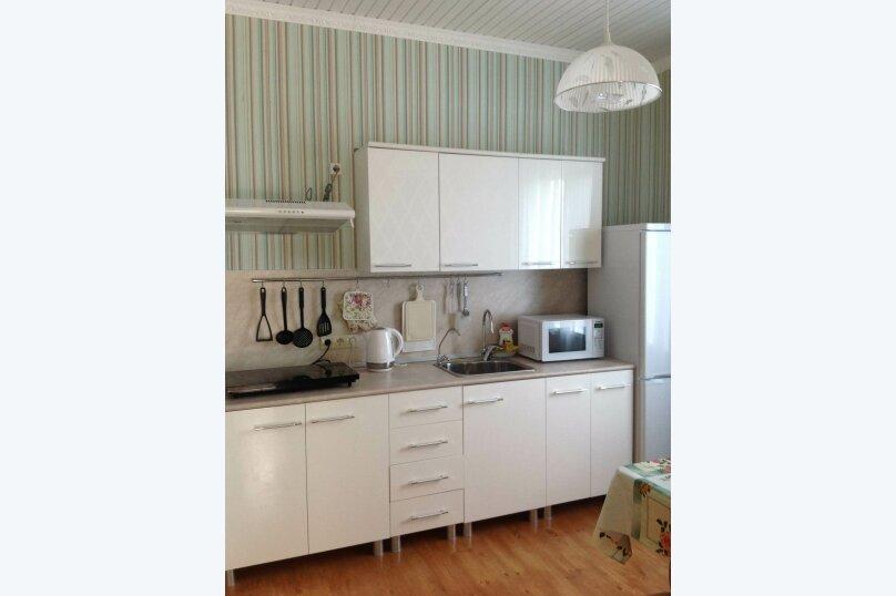 Двухэтажный дом с кухней и бассейном, 80 кв.м. на 6 человек, 1 спальня, Ленина, 131, Кучугуры - Фотография 19