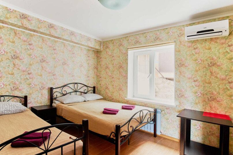 Отдельная комната, улица Революции, 53, Черноморское - Фотография 1