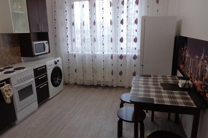 2-комн. квартира, 65 кв.м. на 6 человек, проспект Ленина, 52А, Новороссийск - Фотография 6