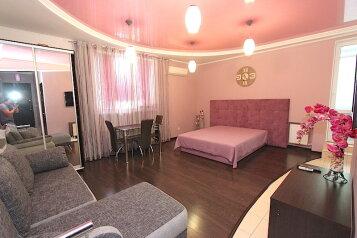 1-комн. квартира, 46 кв.м. на 3 человека, Революционная улица, 16, Феодосия - Фотография 2