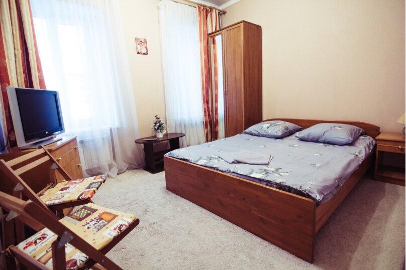 2-х местная комната c большой кроватью, 4-я Красноармейская улица, 14, Санкт-Петербург - Фотография 1