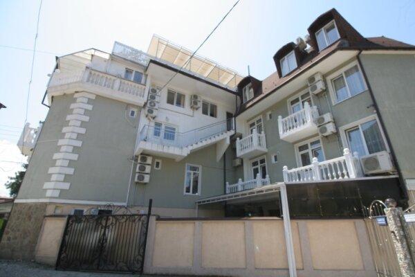 Гостевой дом, Спортивная улица, 12 на 14 номеров - Фотография 1