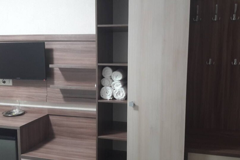 """Гостевой дом """"Светлана"""", Насыпная улица, 8 на 10 комнат - Фотография 8"""