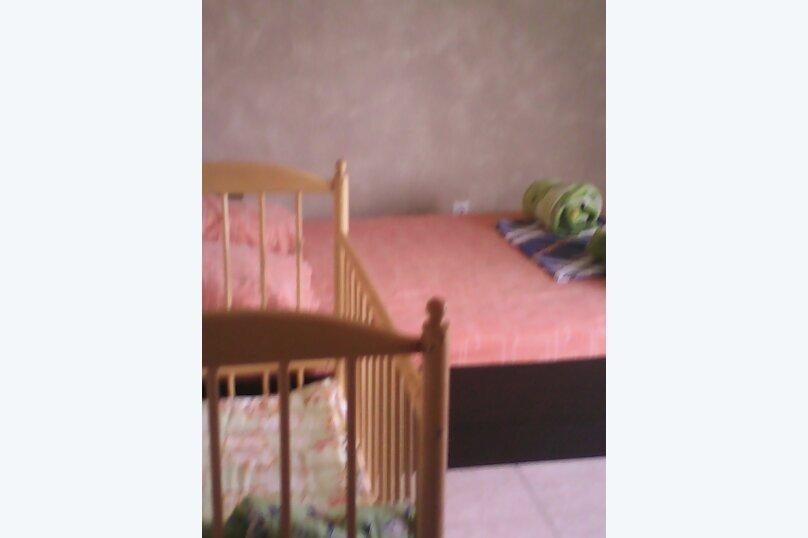 2-комн. квартира, 40 кв.м. на 7 человек, улица Воина Шембелиди, 22, Витязево - Фотография 1