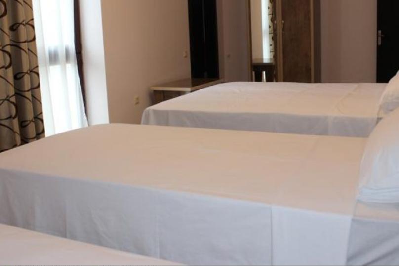 Standart Quadruple room, село Квариати, улица Андрея Первозванного, 69Б, Батуми - Фотография 1