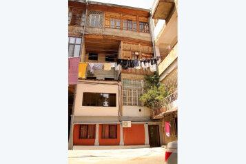 1-комн. квартира, 15 кв.м. на 2 человека, улица Паулу Иашвили, Тбилиси - Фотография 1