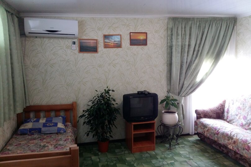 """Гостевой дом """"На Таманской 72"""", Таманская улица, 72 на 7 комнат - Фотография 40"""