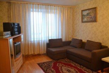 3-комн. квартира, 80 кв.м. на 6 человек, улица Менделеева, 116, Кировский район, Уфа - Фотография 1