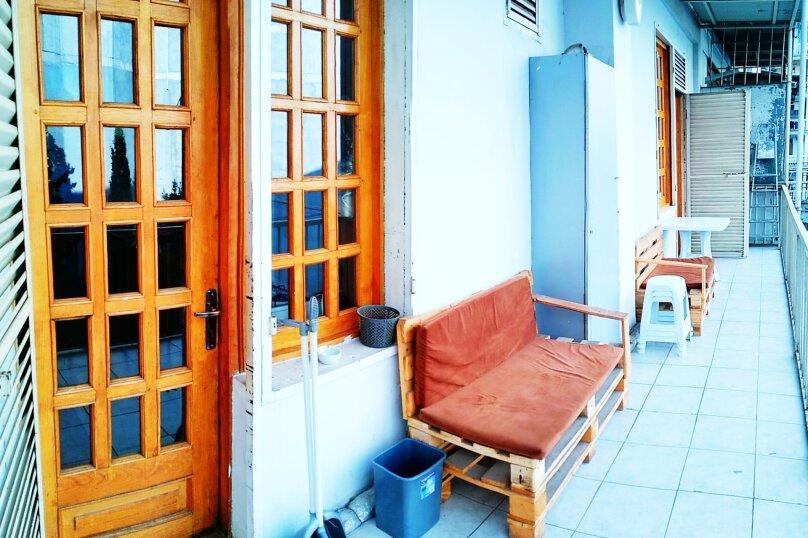 4-комн. квартира, 140 кв.м. на 8 человек, проспект Шота Руставели, 1, Тбилиси - Фотография 2