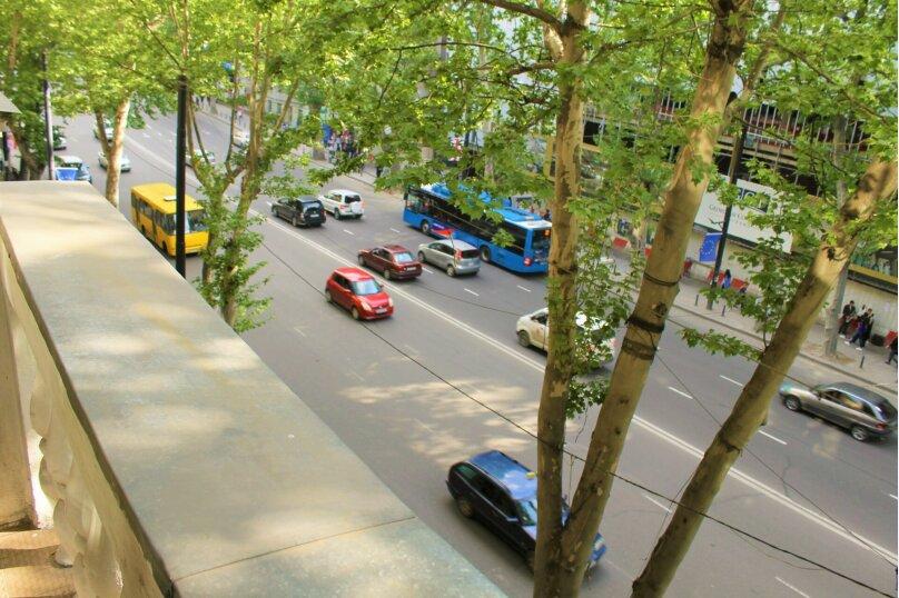 4-комн. квартира, 140 кв.м. на 8 человек, проспект Шота Руставели, 1, Тбилиси - Фотография 3