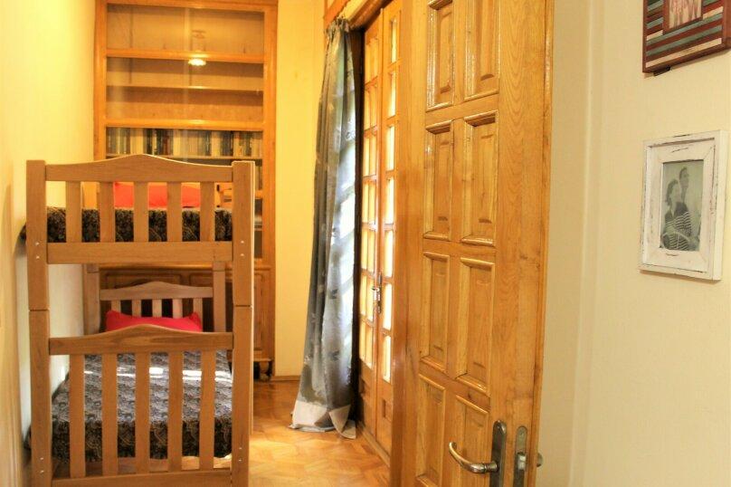 4-комн. квартира, 140 кв.м. на 8 человек, проспект Шота Руставели, 1, Тбилиси - Фотография 6