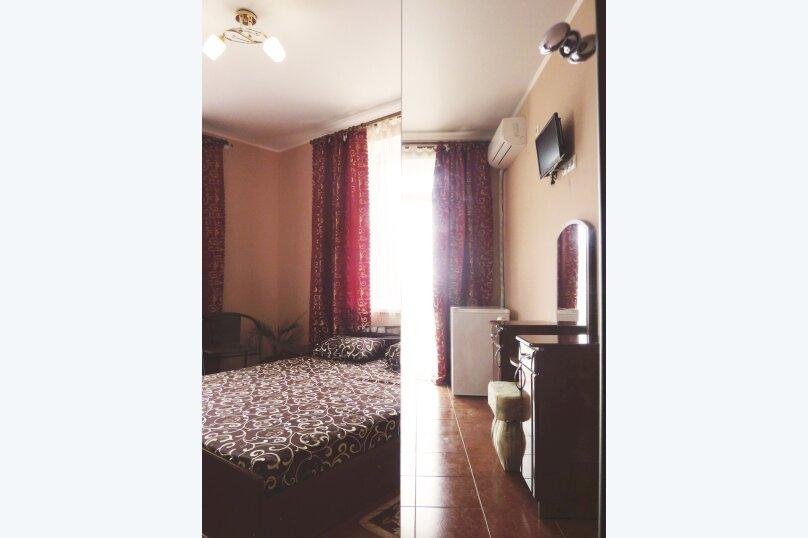 Двухместный номер с одной двуспальной или двумя односпальными кроватями , Таврическая, 17, Судак - Фотография 2