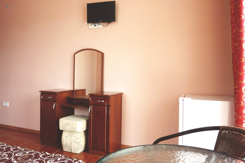 Двухместный номер с одной двуспальной или двумя односпальными кроватями , Таврическая, 17, Судак - Фотография 7