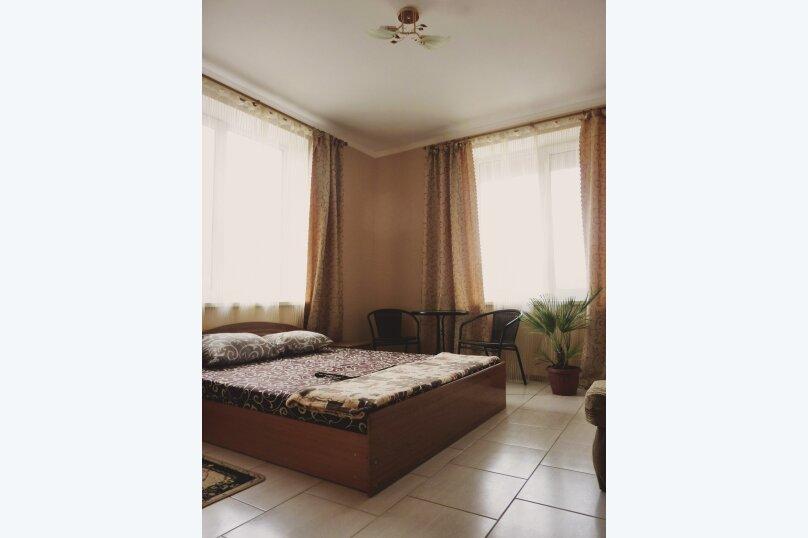 Двухместный номер с одной двуспальной или двумя односпальными кроватями , Таврическая, 17, Судак - Фотография 11
