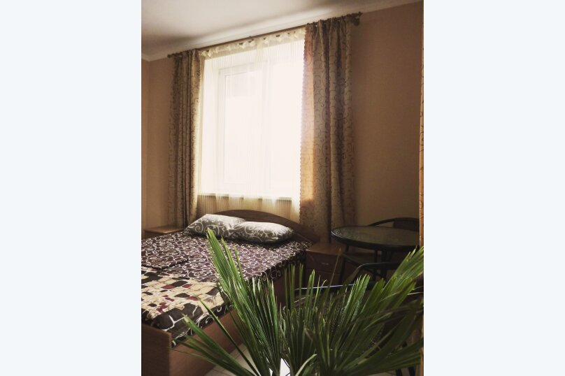 Двухместный номер с одной двуспальной или двумя односпальными кроватями , Таврическая, 17, Судак - Фотография 15