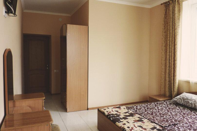 Двухместный номер с одной двуспальной или двумя односпальными кроватями , Таврическая, 17, Судак - Фотография 16