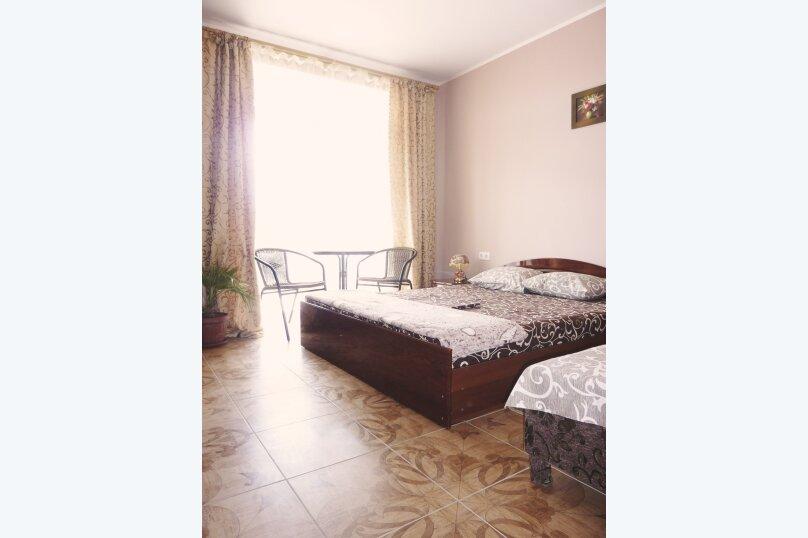 Трехместный номер с двухместной и одноместной кроватями, Таврическая, 17, Судак - Фотография 3