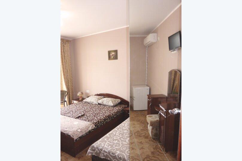 Трехместный номер с двухместной и одноместной кроватями, Таврическая, 17, Судак - Фотография 8
