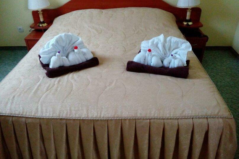Стандартный двухместный номер с 1 кроватью или 2 отдельными кроватями в мансарде , улица Десантников, 16, Коктебель - Фотография 1