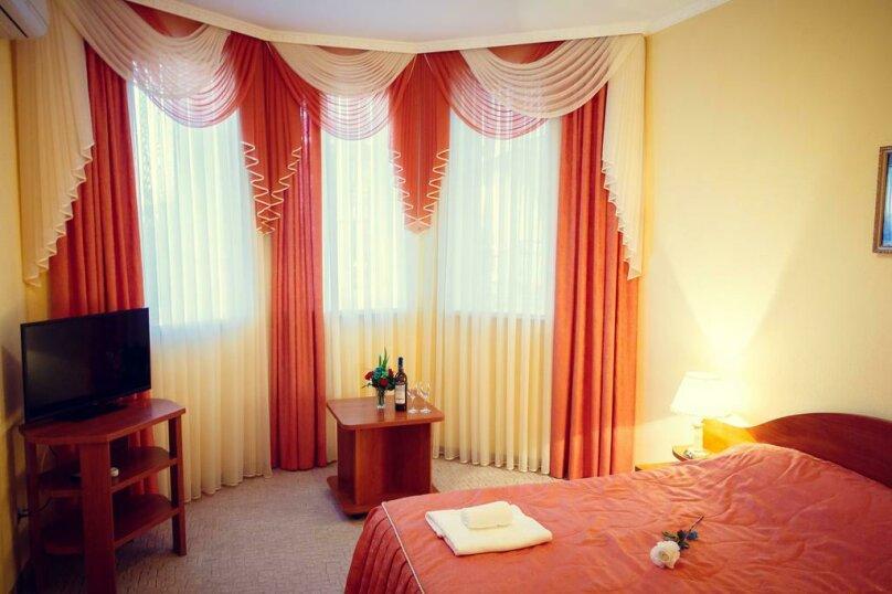 Стандартный двухместный номер с 1 кроватью или 2 отдельными кроватями , улица Десантников, 16, Коктебель - Фотография 1