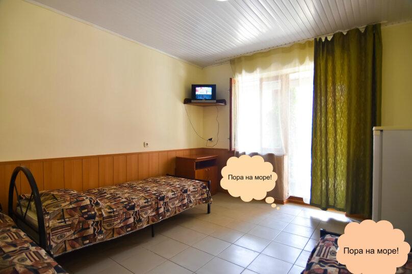 """Гостевой дом """"На Платановой 10"""", Платановая улица, 10 на 16 комнат - Фотография 23"""