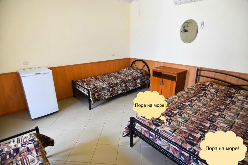 """Гостевой дом """"На Платановой 10"""", Платановая улица, 10 на 16 комнат - Фотография 19"""