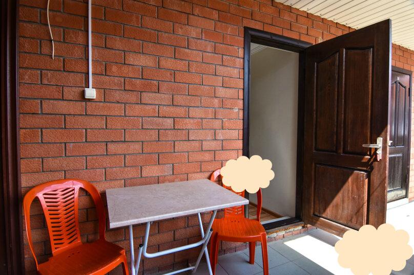 """Гостевой дом """"На Платановой 10"""", Платановая улица, 10 на 16 комнат - Фотография 16"""