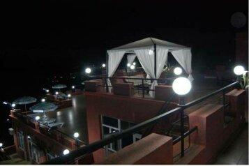 Hulus hotel в Батуми, Махинджаури Проспект Тамар Мепе, 20 на 62 номера - Фотография 2