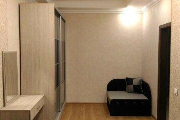 2-комн. квартира, 70 кв.м. на 7 человек, Большая Морская, Севастополь - Фотография 2
