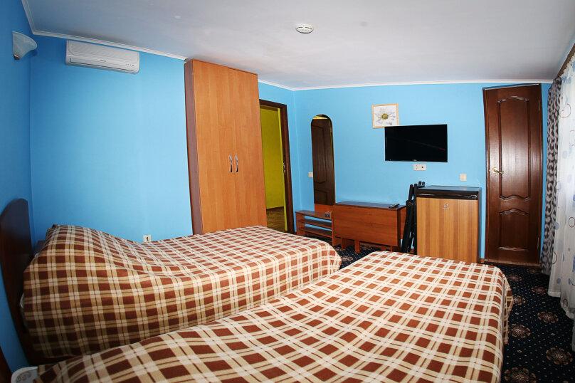 """Мини-отель """"Изумрудный"""", Революционная улица, 136А на 17 номеров - Фотография 24"""