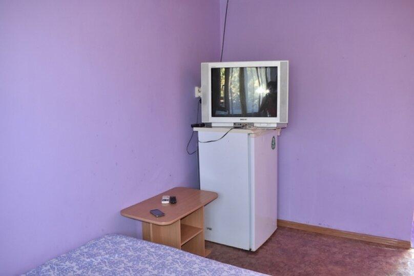 """Гостевой дом """"Дом Романовых"""", Приморская улица, 66 на 13 комнат - Фотография 15"""
