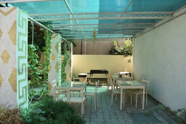 Гостевой дом, Приморская улица, 66 на 17 комнат - Фотография 1