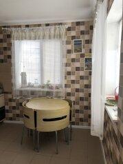 Дом, 120 кв.м. на 8 человек, 2 спальни, СТ Приморье, ул. Южная, Заозерное - Фотография 3