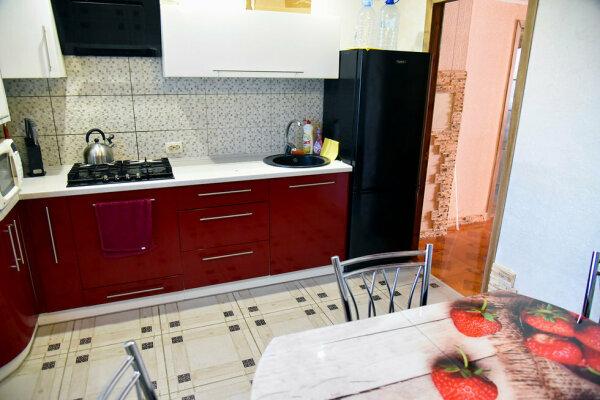 2-комн. квартира, 50 кв.м. на 5 человек, улица Айвазовского, 25, Судак - Фотография 1