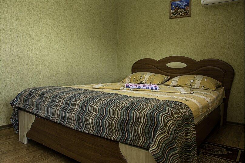 """Гостевой дом """"На 14 апреля 12"""", улица 14 апреля, 12 на 8 комнат - Фотография 27"""