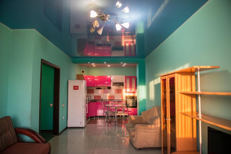 2-комн. квартира, 85 кв.м. на 6 человек, улица Дзержинского, 20, Иркутск - Фотография 5