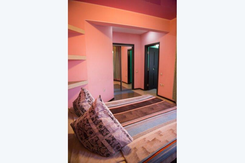2-комн. квартира, 85 кв.м. на 6 человек, улица Дзержинского, 20, Иркутск - Фотография 9