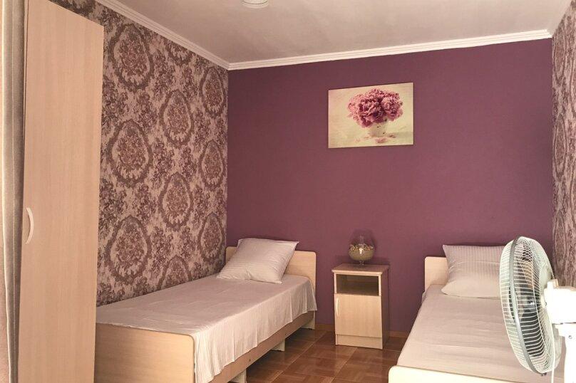 """Гостевой дом """"Афродита"""", Комсомольская улица, 47 на 6 комнат - Фотография 12"""