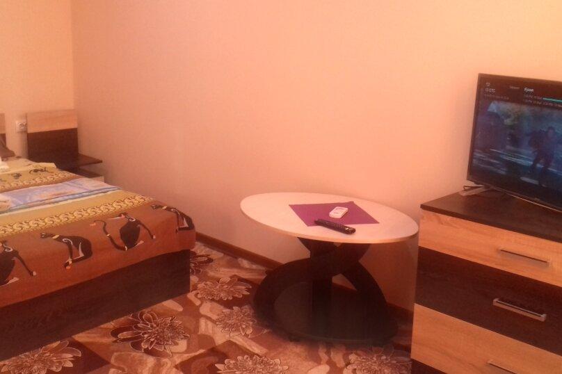 """Гостевой дом """"Ксения"""", улица Спендиарова, 10 на 3 комнаты - Фотография 35"""