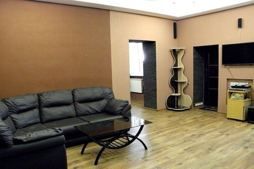 Дом, 300 кв.м. на 20 человек, 4 спальни, Приамурская улица, 2, Хабаровск - Фотография 11