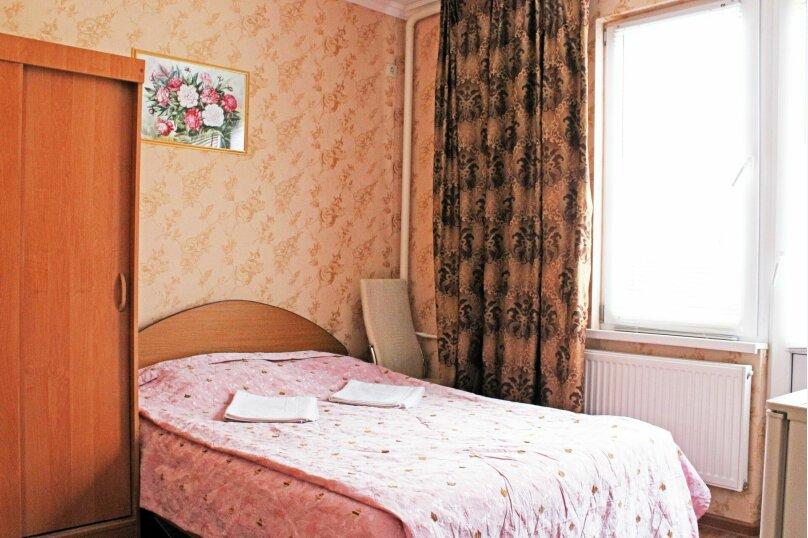 (21)Эконом-стандарт с 2х спальной кроватью и кондиционером для 2х гостей , Лазурная улица, 12, Адлер - Фотография 1