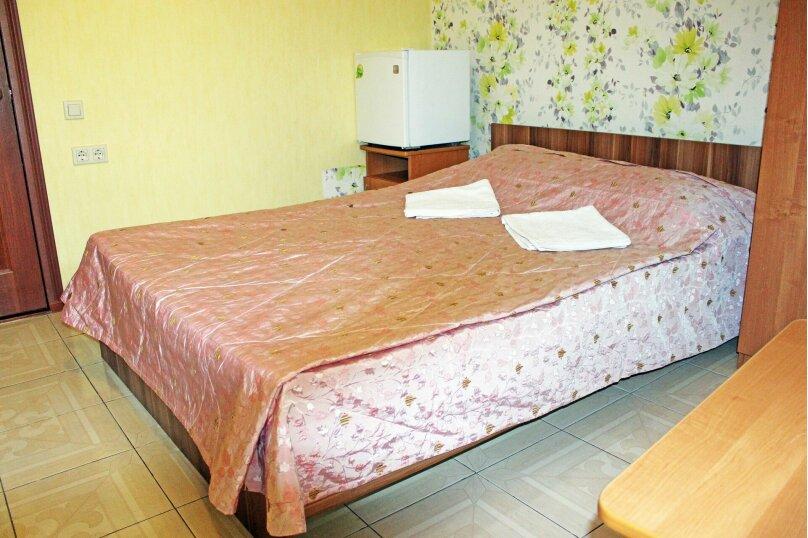 """Гостевой дом """"Александрит"""", Лазурная улица, 12 на 14 комнат - Фотография 27"""