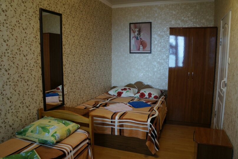 3 местный номер на 2 этаже (номер 2) , переулок Победы, 43, Лазаревское - Фотография 1