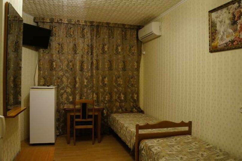 3 местный номер на 3 этаже (номер 4), переулок Победы, 43, Лазаревское - Фотография 1
