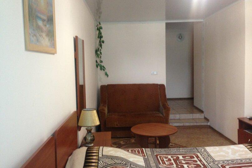 №9, - полулюкс  1 этаж с балконом, улица Федько, 1В, Феодосия - Фотография 1