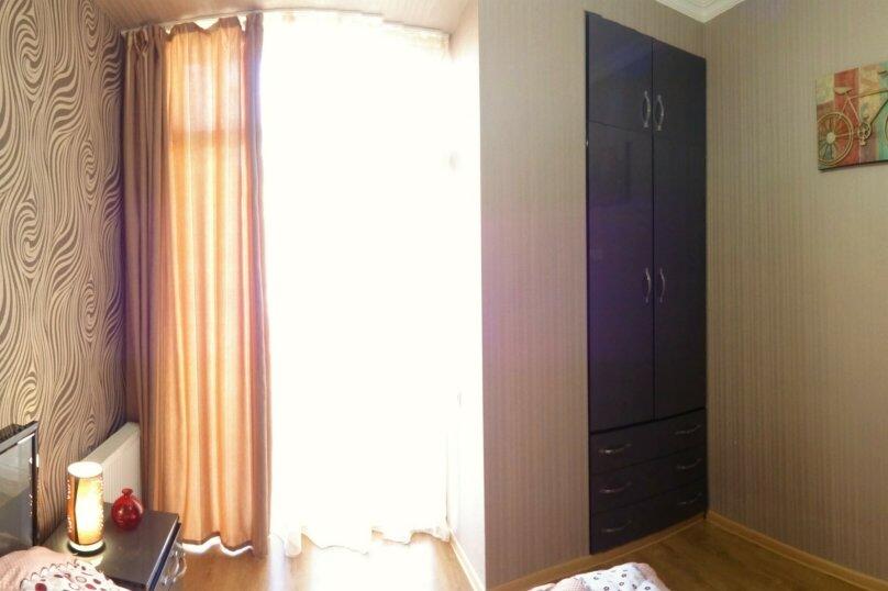 2-комн. квартира, 60 кв.м. на 4 человека, улица Платона Иоселиани, 12, Тбилиси - Фотография 2