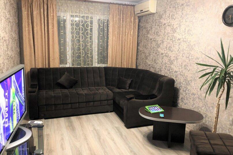 2-комн. квартира, 56 кв.м. на 5 человек, Фрунзенское шоссе, 16, Партенит - Фотография 1