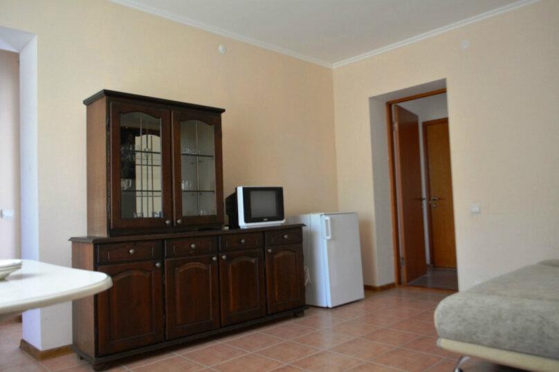 2-х комнатный 4-х местный с 1 доп. местом, Аэродромная улица, 10, Геленджик - Фотография 1