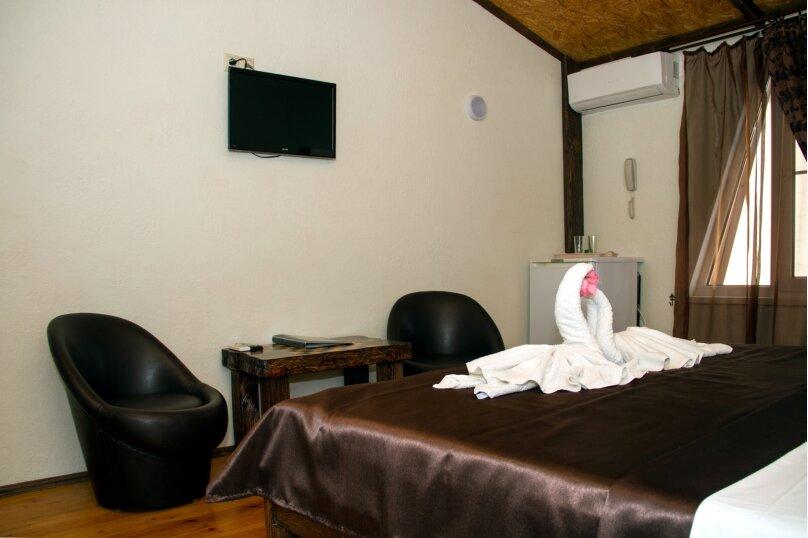 2х местный стандарт с двуспальной кроватью, улица Абазгаа, 48А, Гагра - Фотография 1