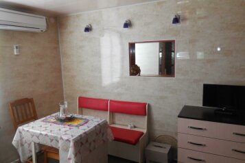 Дом, 60 кв.м. на 4 человека, 2 спальни, Нижнесадовая улица, Ейск - Фотография 2